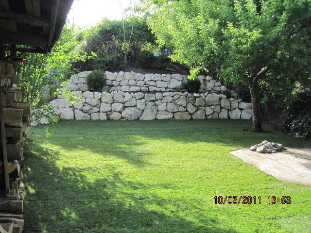 WT Gartenbau - Natursteinmauer