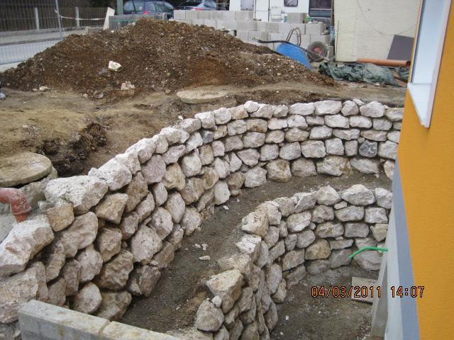 Natursteinmauer-05