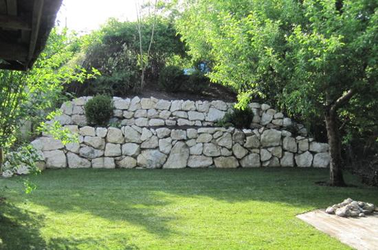 Bau von Natursteinmauer von WT Gartenbau